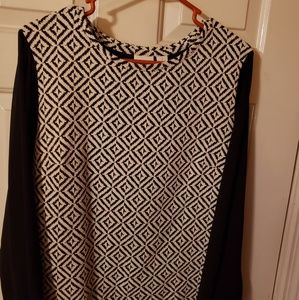 ( Chico's) Womans Blouse Sz 1 equivalent to a Sz M